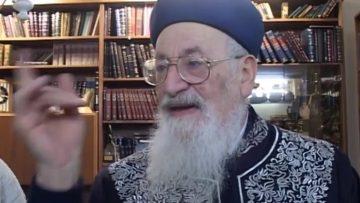 תלויה באחדות ישראל 8211 הרב מרדכי אליהו